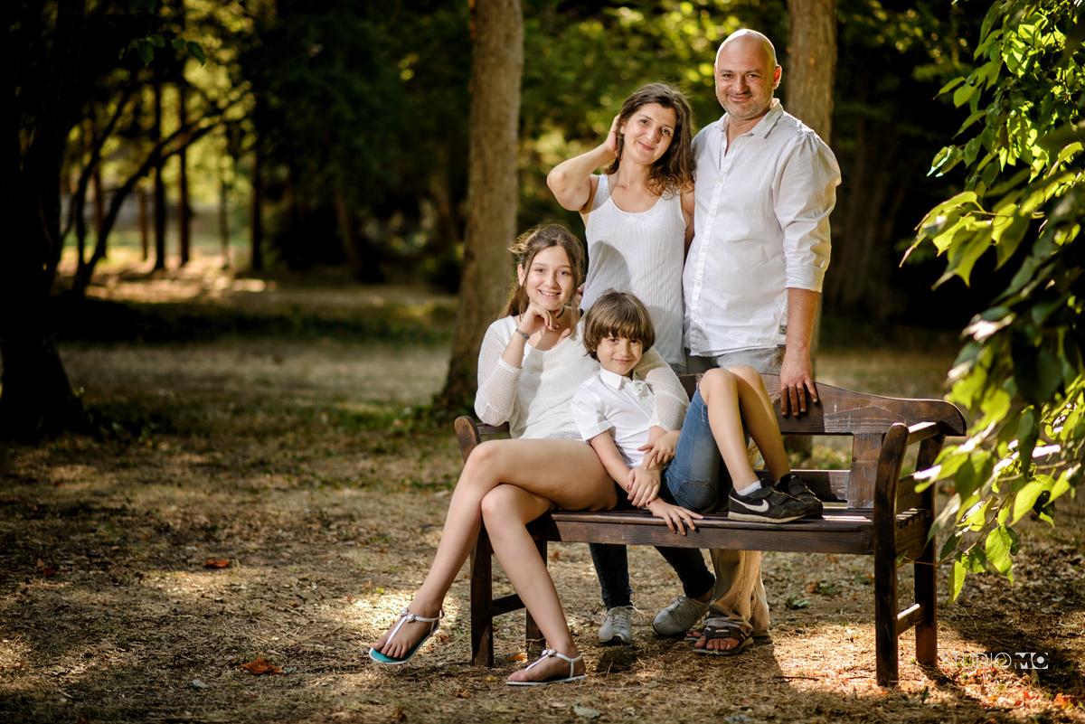 Щастливо семейство, една семейна фотосесия