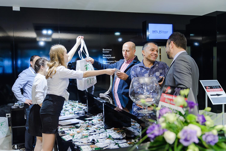 Фото и видео заснемане на бизнес събитие